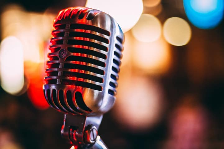 Condenser versus Dynamic Microphone